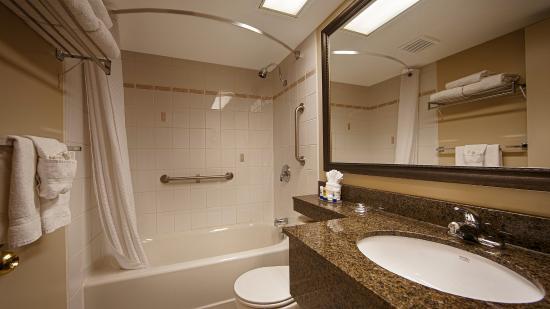 Cobourg, Canadá: Bathroom