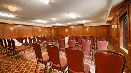 Best Western Plus Cobourg Inn & Convention Centre: Meeting Room