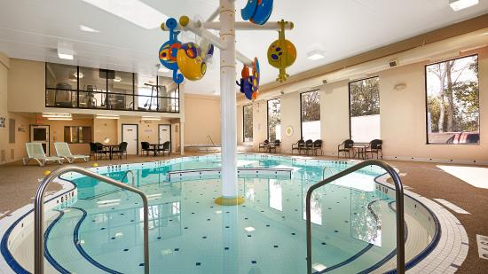 Best Western Plus Cobourg Inn & Convention Centre: Pool