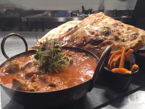 The Peacock Bakewell: Krahi Curry better than any Indian ! and Homemade Naan!
