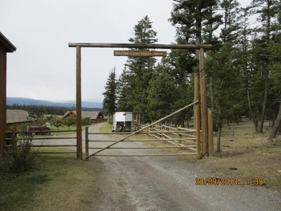 Jesmond, Canadá: Main Entrance to the Ranch