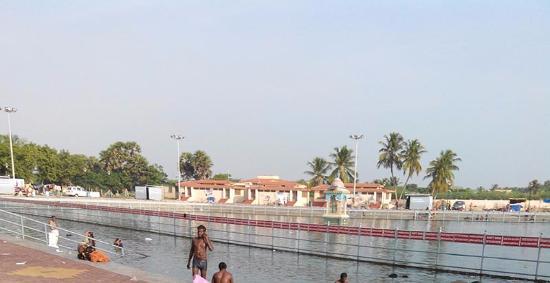 Karaikal, Indien: Pond