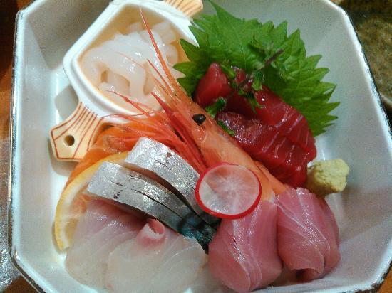 Kandawadatsumi: ランチの刺身定食とハンバーグ定食