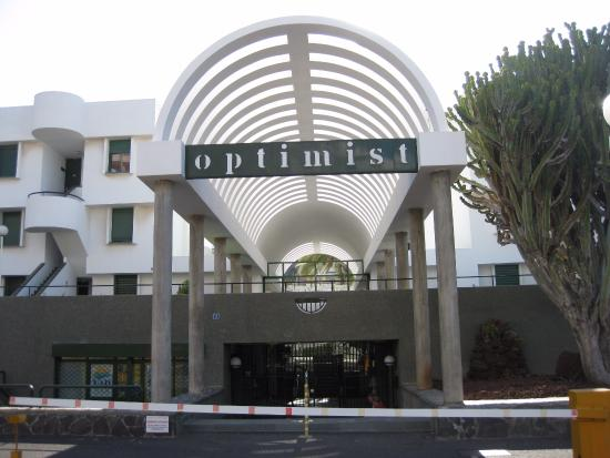 Optimist Aparthotel : вид отеля