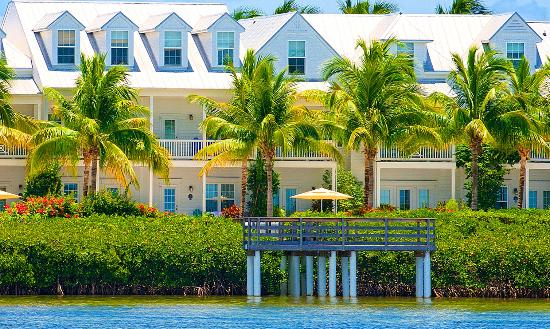 Parrot Key Hotel and Resort: Exterior Waterfront View
