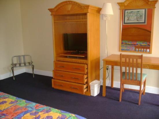 Royal Islander: King Bedroom