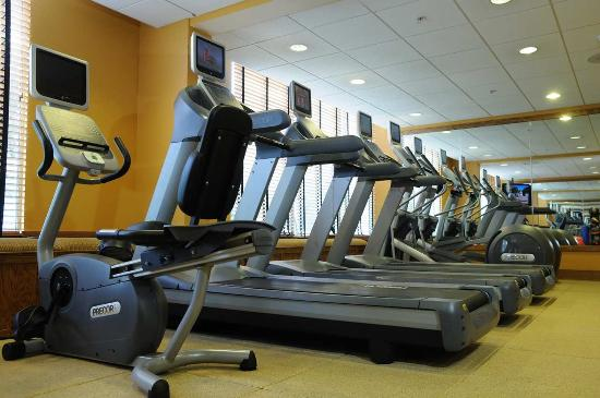 Mundelein, IL: Fitness Center