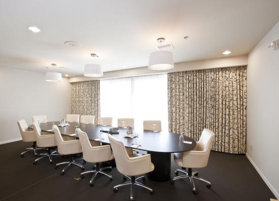 Sedona Rouge Hotel and Spa: Executive Boardroom