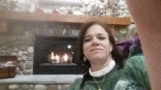 AmericInn Lodge & Suites Eagle: Lobby fireplace