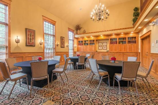 Brick Street Inn: The Chautauqua Room