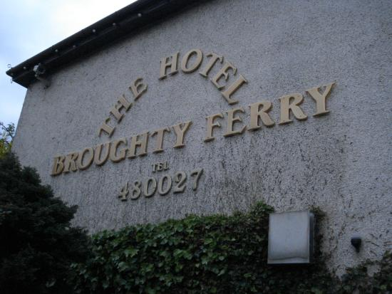 The Hotel Broughty Ferry: ホテルの外観