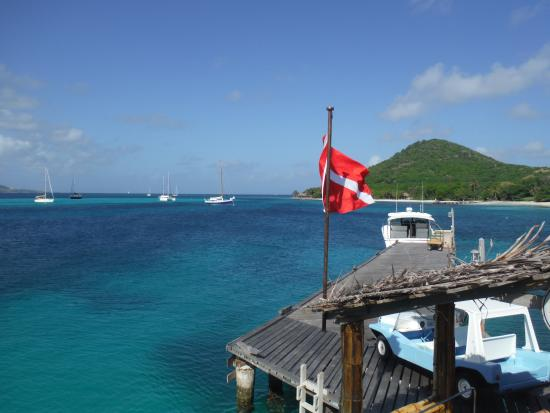 Petit St.Vincent: One of the boat pontoon's
