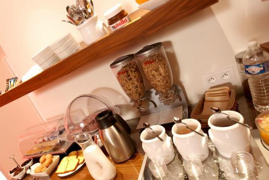 Arcadie Montparnasse: Buffet petits-déjeuners