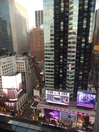 premier taux 37c36 7eccb Times Square view - Picture of New York Marriott Marquis ...