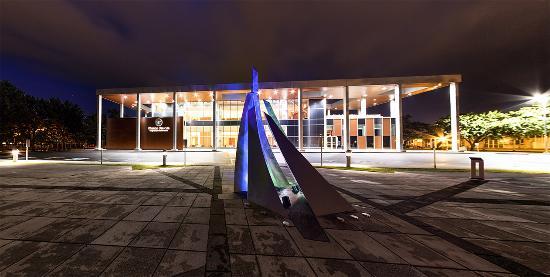 Drummondville, Canadá: Maison des Arts la nuit