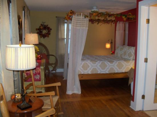 Union Pier, MI: Fall Room