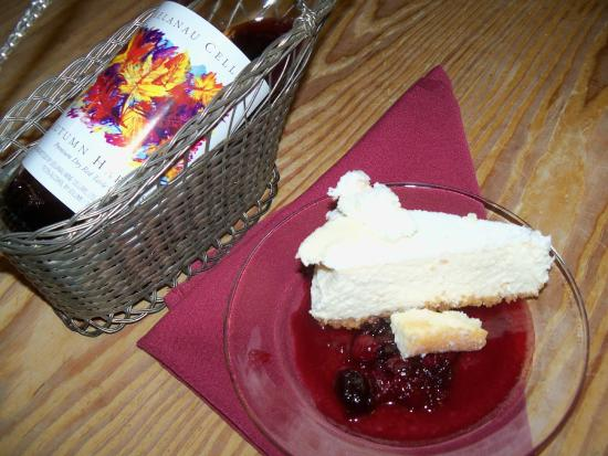 Union Pier, MI: Cheesecake with Cherry Sauce