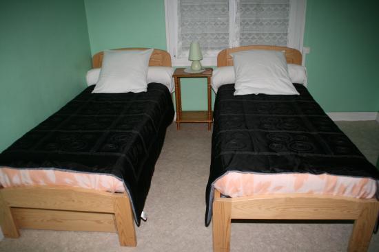 Chambre Lit Jumeaux Photo De Hotel Le Saint Germain Flers