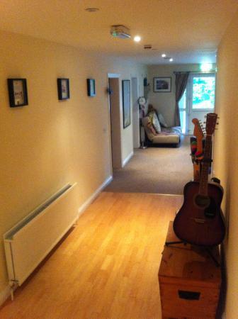 Strangford Bay Lodge: Spacious enterance hall