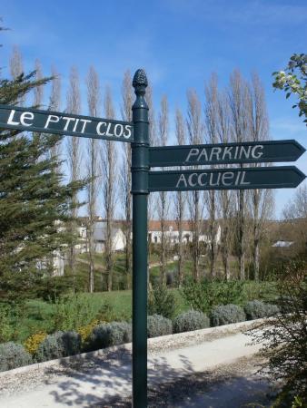Saint-Julien-de-Chedon, Fransa: vue à l'arrivée