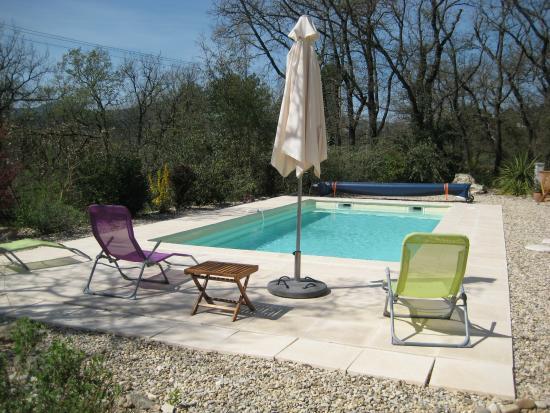 Entrechaux, Francia: solarium piscine