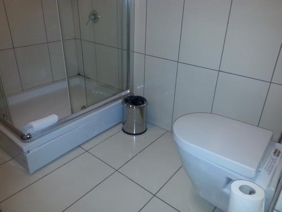 Safir Otel : Banyo