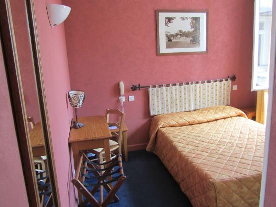 Hotel Acacias : номер