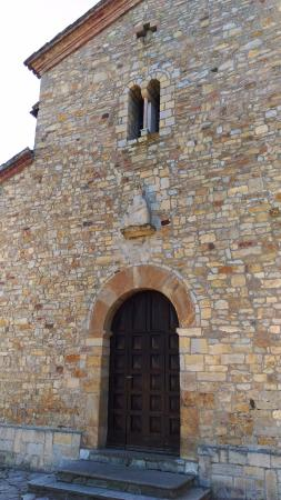 Pieve Romanica di San Giovanni in Contignaco: facciata