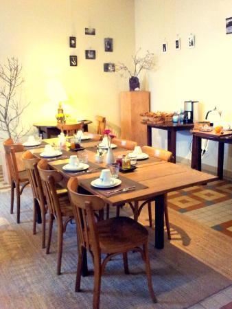 Saint Pierre de Riviere, Francja: petit déjeuner à l'hotel la Barguillere