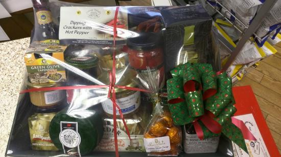 St Davids Food and Wine: Hampers for Christmas or any occasion