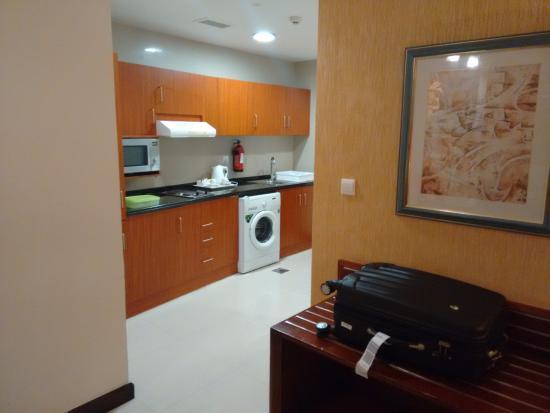 Star Metro Deira Hotel Apartments: La parte de la cocina
