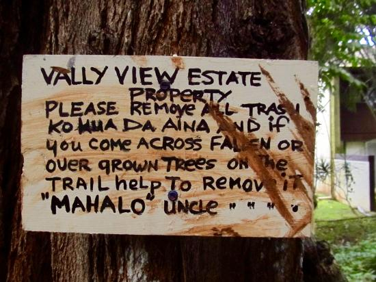 Kaneohe, Havai: Sign at the bottom