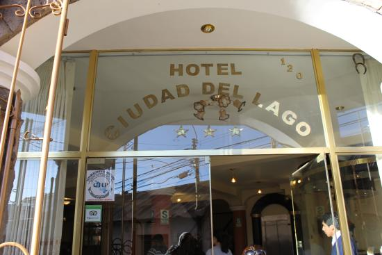 Hotel Ciudad del Lago: Here's proof to the owner (some 3 years later) that I stayed at his crap hotel!