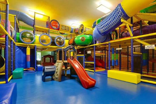 Alix, Canada: Play Centre