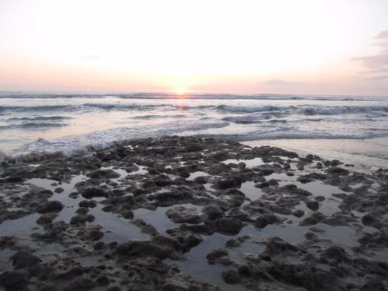 Shaka Beach Retreat: Beautiful sunsets along Beach Hermosa