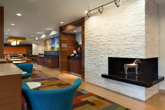 Fairfield Inn & Suites Branson: Lobby