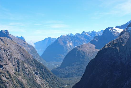 ‪‪Gertrude Saddle‬: Milford Sound and surrounding mountains from Gertrude Saddle, Fiordland National Park.‬