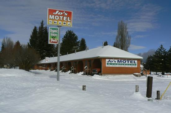 Jo's Motel and Campground: Jo's Motel in Winter