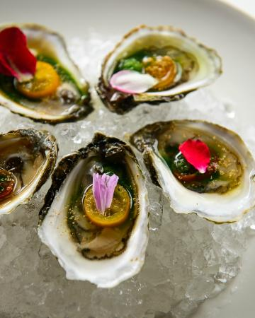 Local 121: Local Rhode Island Oysters