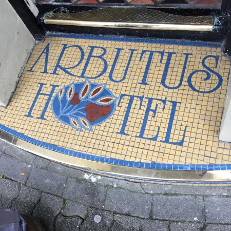 Arbutus Hotel : Front step.