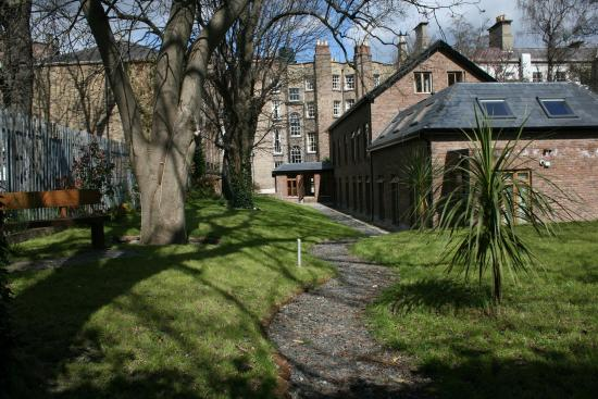 Stauntons on the Green: Private Garden