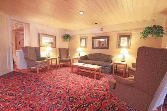 Fireside Inn & Suites Portland: Interior