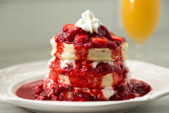 The Twelve Oaks Bed & Breakfast: One of our breakfasts, Strawberry shortcake pancakes