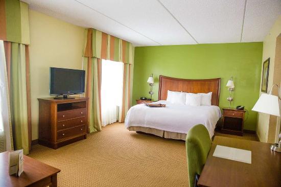 Blairsville, Pensilvania: King Suite Living Area