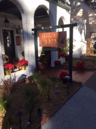 Monte Verde Inn: Entrada