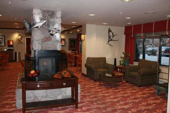 Hampton Inn Anchorage: Hotel Lobby