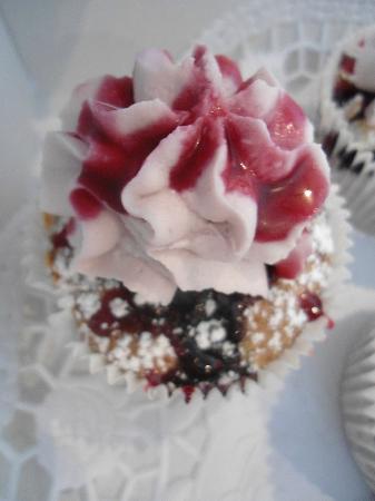 MR. CAKE COLOGNE - Blaubeere Mandel Royal Cup Cake