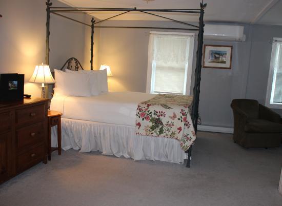 Mendon, VT: Dorset Suite