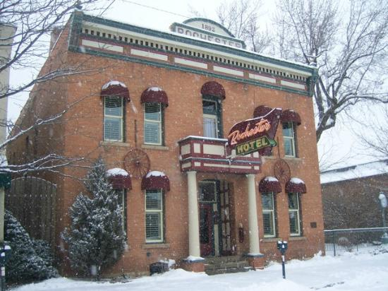 The Leland House and Rochester Hotel: Snowy day at the Rochester Hotel