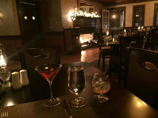 Rabbit Hill Inn: dinner & drinks fireside